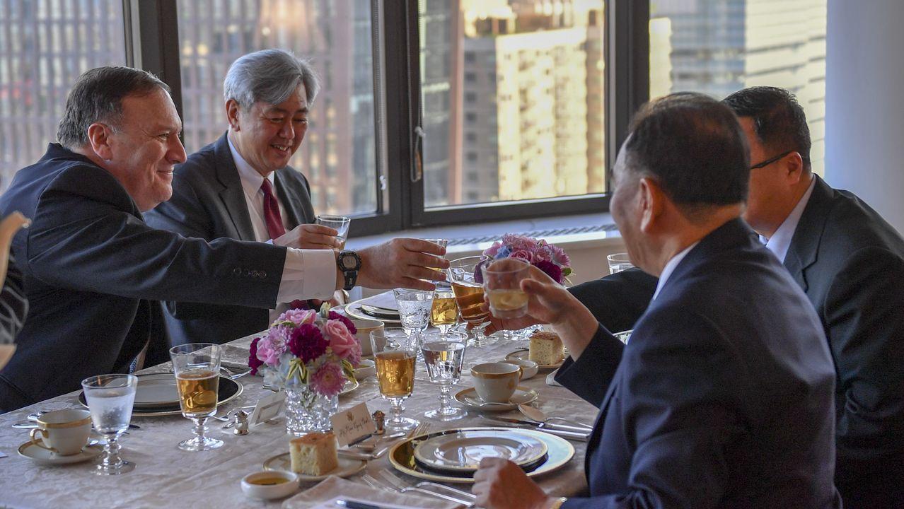 El secretario de Estado de EE.UU., Mike Pompeo, durante la cena con la delegación norcoreana