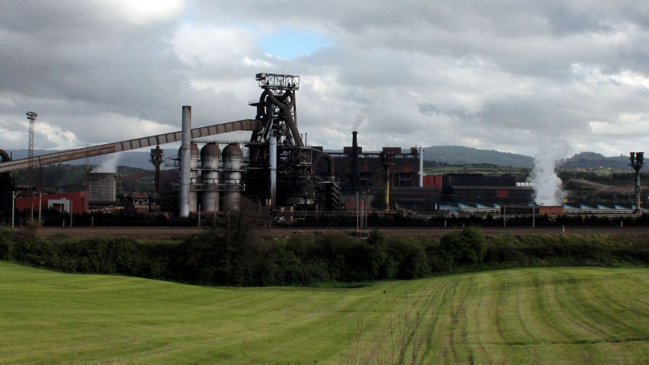 Baterías de coque de la planta de Arcelor en Gijón.Factoría de Arcelor en Veriña