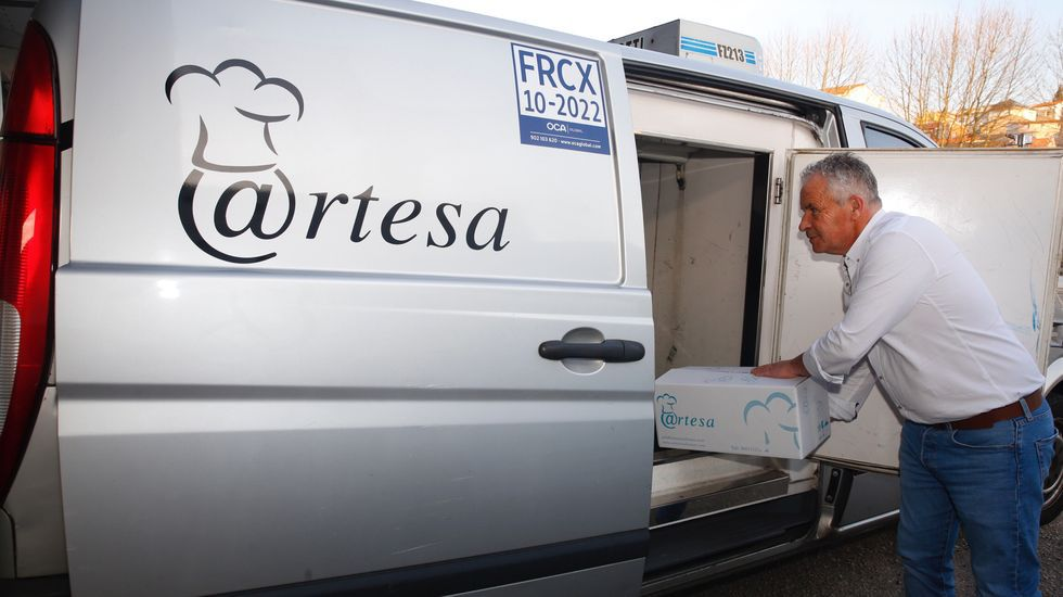 La relación de Felipe VI y Marín.Artesa Rías Baixas recibió una suvención del GALP Ría de Pontevedra para una furgoneta de carga mixta