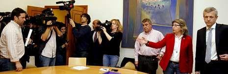 Representantes del sector del cerco plantan a Rueda al comprobar que la conselleira iba a estar presente en el encuentro.