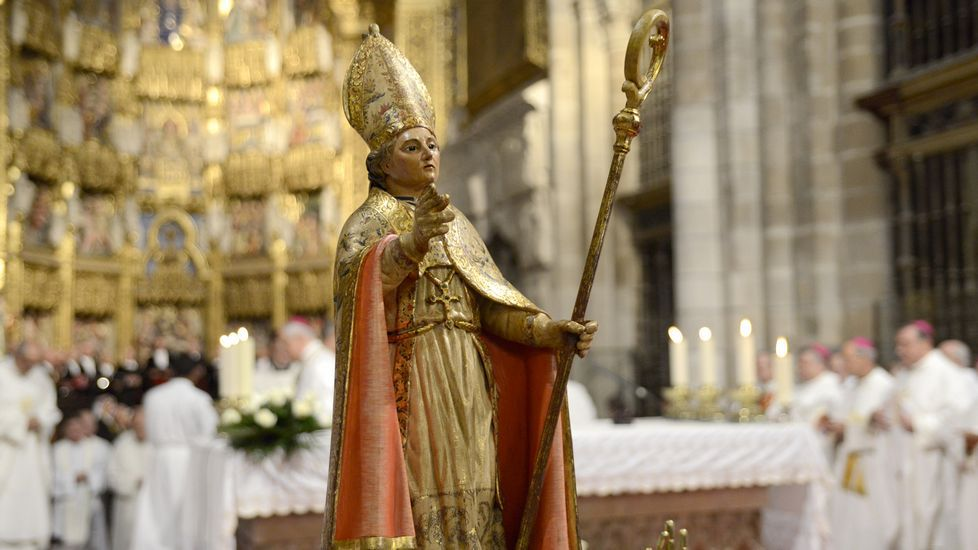 La catedral de Ourense se viste de gala para honrar a San Martiño