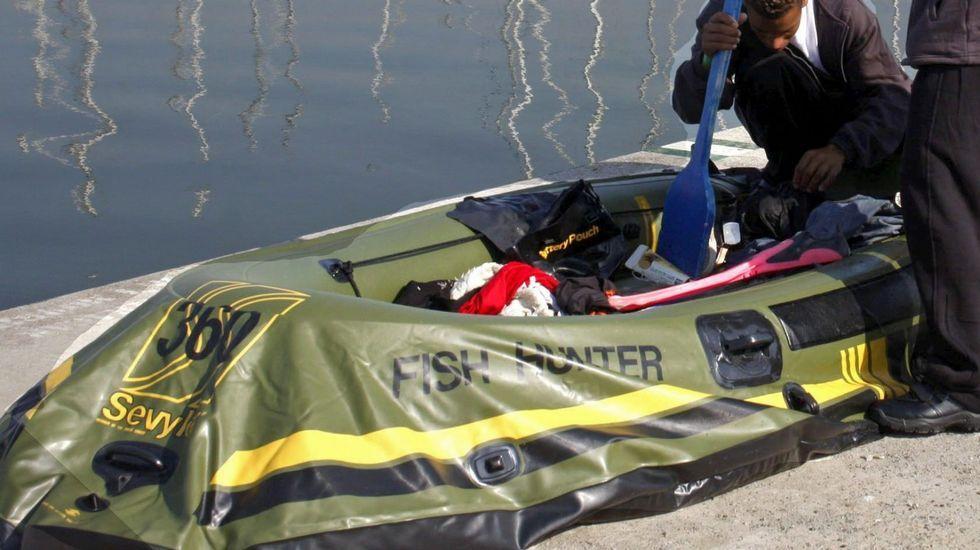 Salvamento remolca una embarcación que estuvo a punto de naufragar