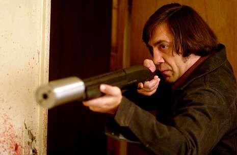 Adrien.Bardem interpreta en la película a un despiadado asesino a sueldo.