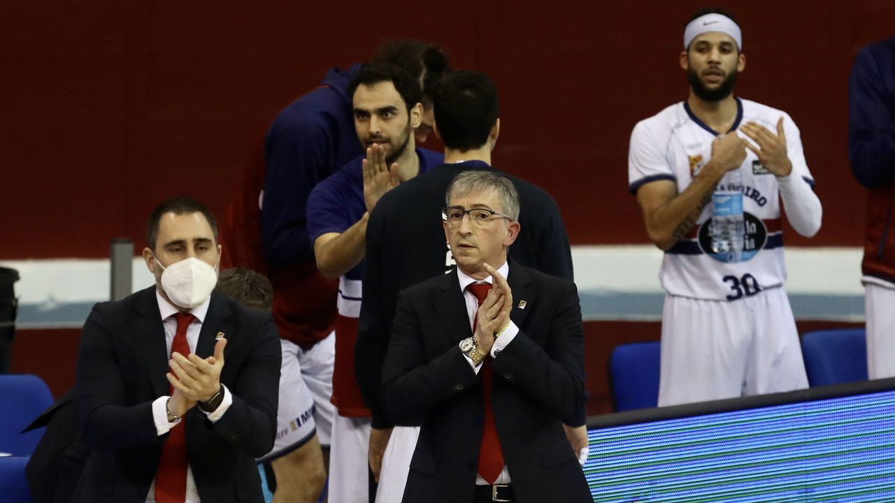 Las imágenes del Real Murcia-COB.Los deGonzalo García buscan resarcirse de la derrota del pasado domingo en Murcia