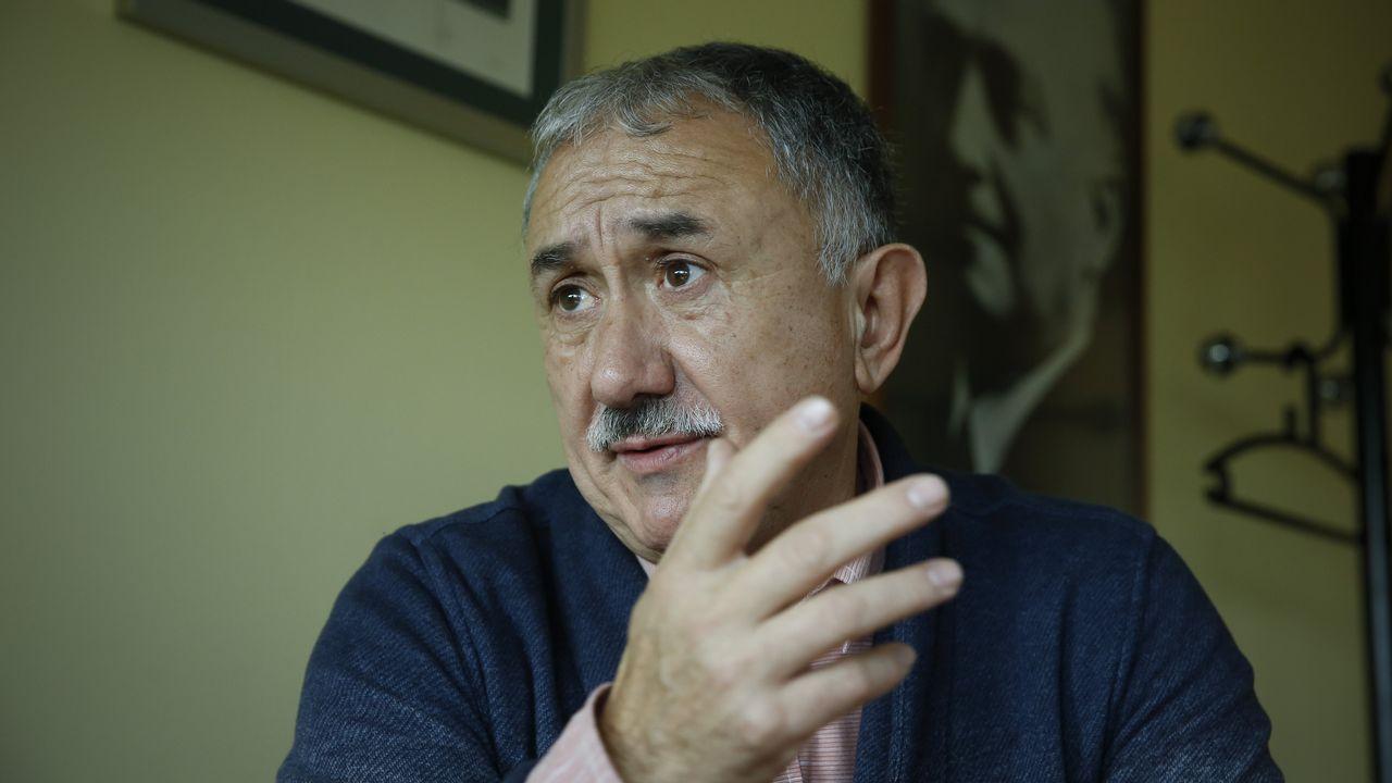 Santiago Soler: «A veces se asocian, pero temporalidad y precariedad no van de la mano».Manifestación del 1.º de Mayo en Ferrol
