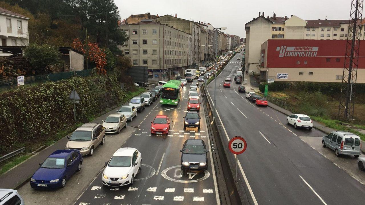 Peatones y ciclistas reivindican una senda segura entre Milladoiro y Santiago