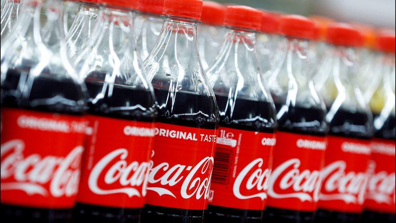 Marcos de Quinto, exvicepresidente ejecutivo de Coca-Cola, explica que llega a la política para «complicarse la vida».Ana Morollón, finalista del programa «Gira Mujeres»  de Coca-Cola