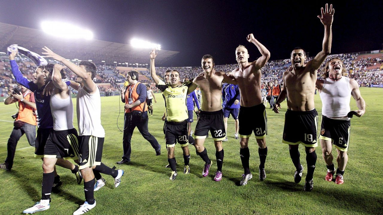 Operación Oikos: así han sido las detenciones y registros a varios futbolistas profesionales.Íñigo López. segundo por la izquierda, en el entrenamiento del Dépor