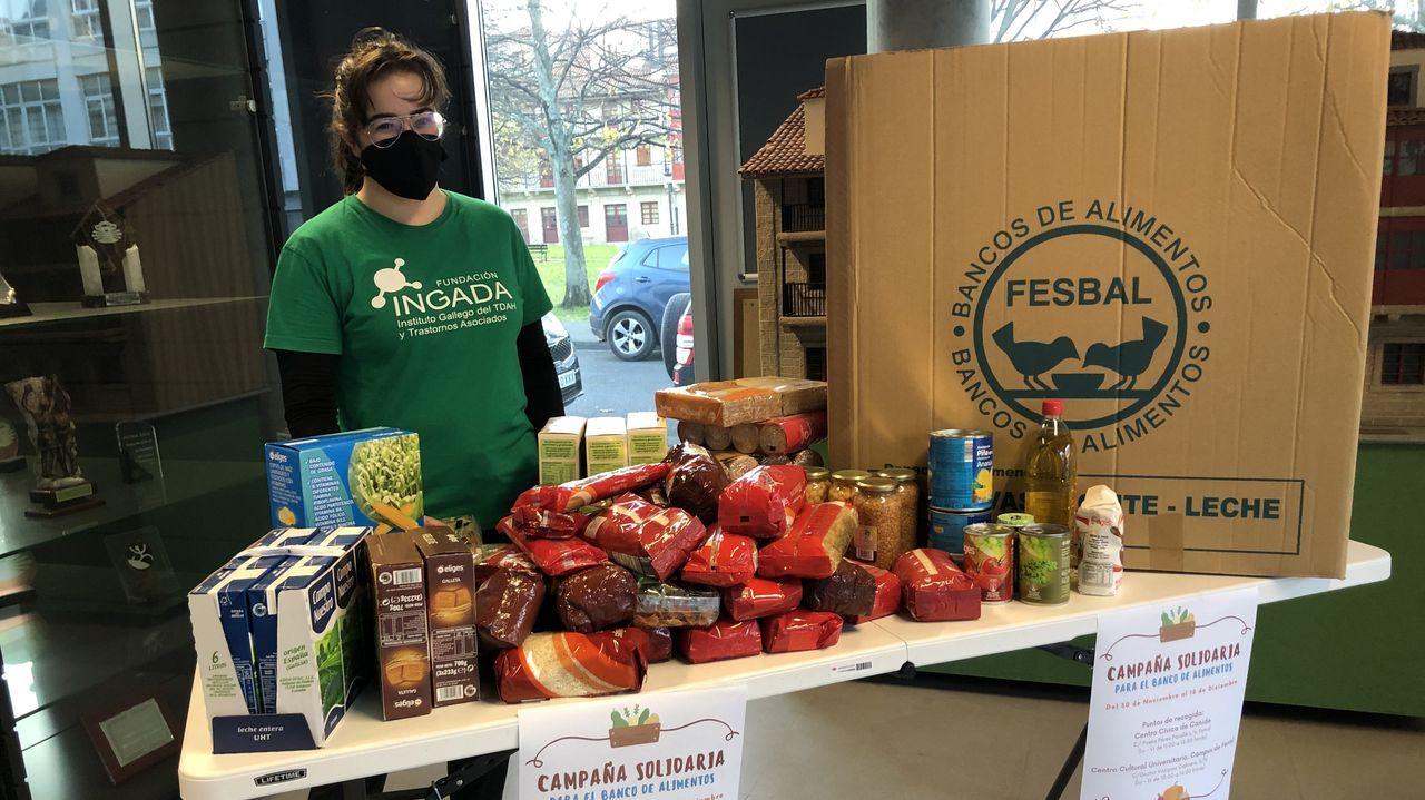 La asociación Apetéceme ser amigo da área sanitaria recauda fondos para el Banco de Alimentos