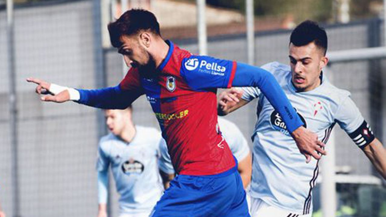 Entrevista íntegra a Fernando Vázquez: «Mi carrera estuvo mal dirigida».Diego Cervero celebra un gol con el Real Oviedo