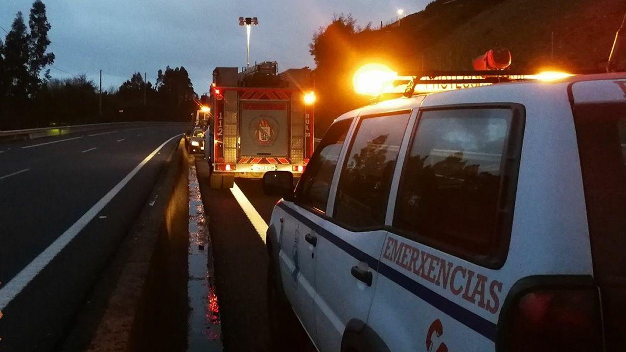 Imagen de archivo de un vehículo de Protección Civil de A Pobra actuando en un accidente