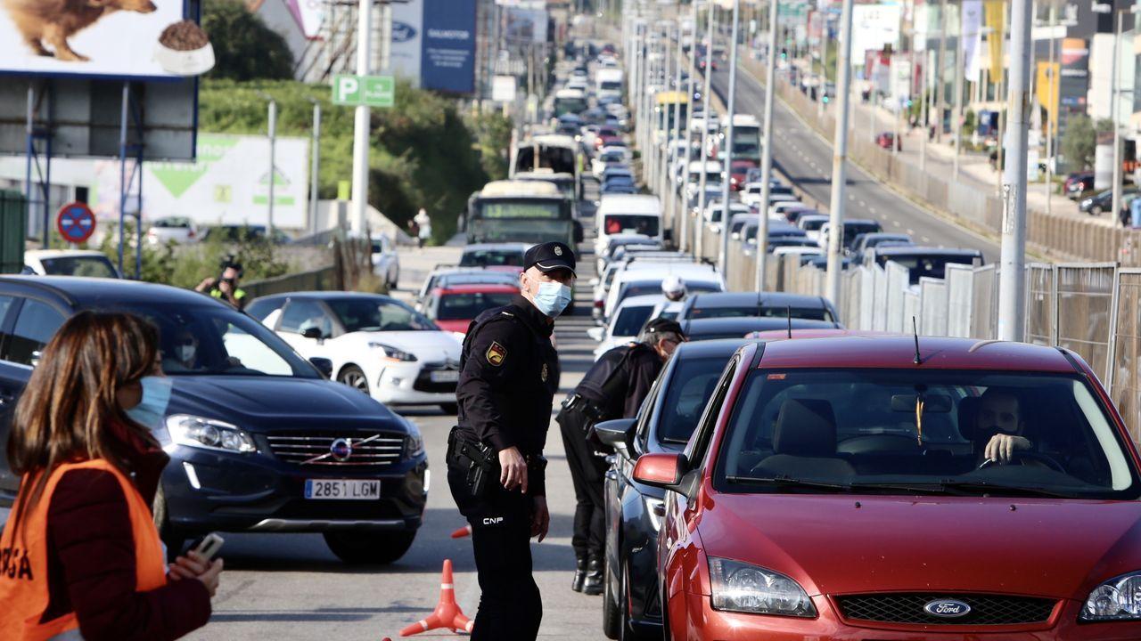 Control en Pontevea, Teo, en el límite entre las provincias de A Coruña y Pontevea