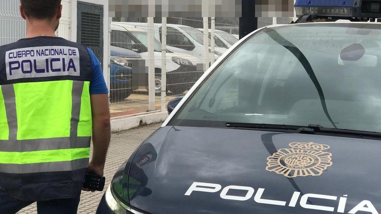 El «Elogio» de Chillida cumple tres décadas.Policía Local de Avilés