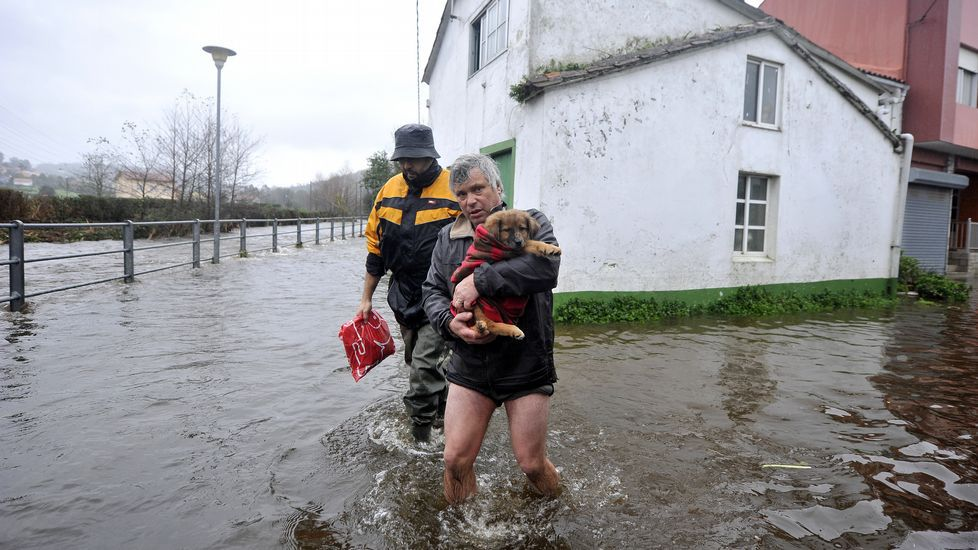 Inundaciones en Neda por las fuertes lluvias