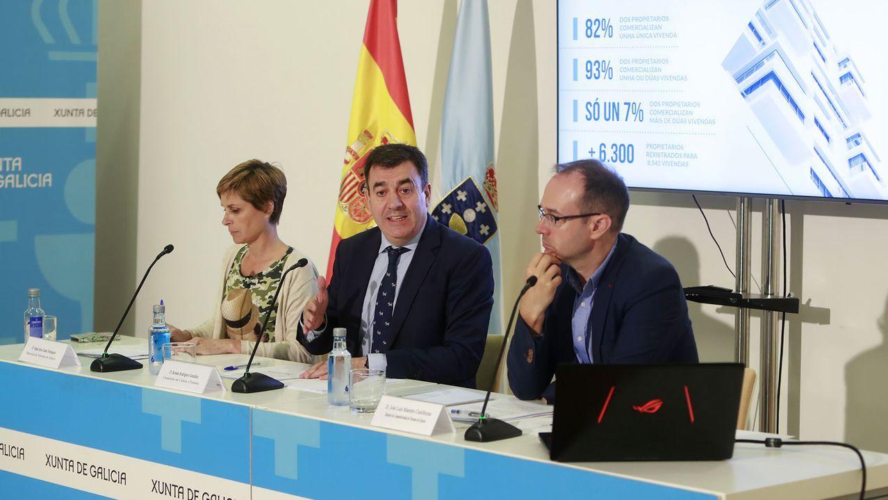Euforia en la llegada al Obradoiro desde Valença