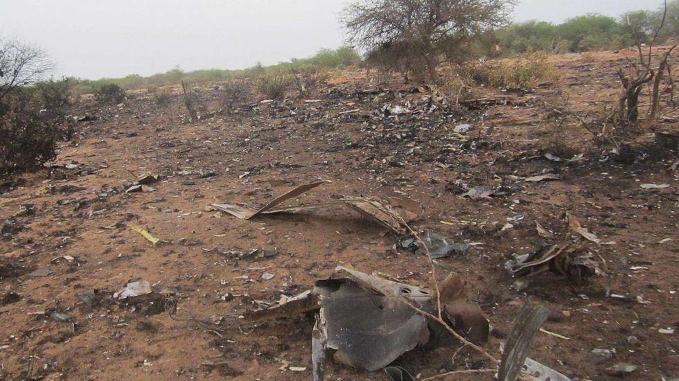 Los forenses continúan trabajando en la zona el accidente del Germanwings