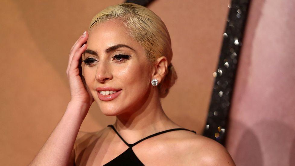 Lady Gaga revela que sufre estrés postraumático