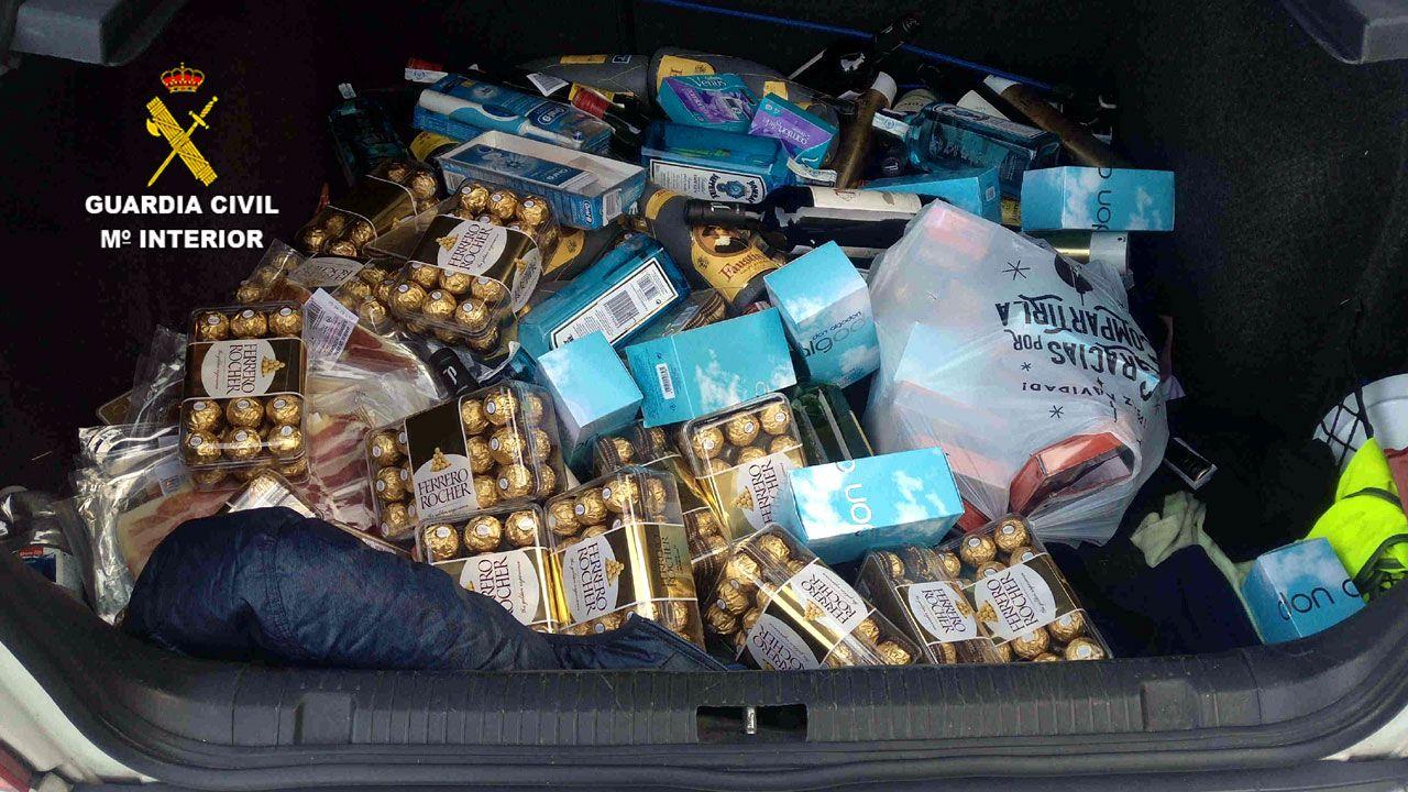 El botín de los dos hurtos realizados en supermercados de Gijón