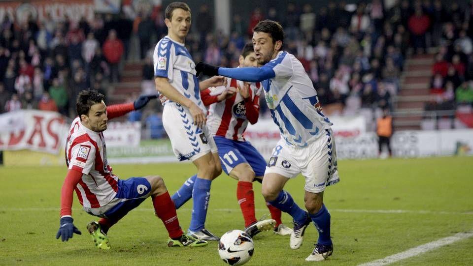 Jonathan Valle, contra el Lugo en el 2013