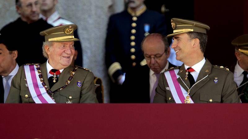 Juan Carlos y el príncipe Felipe, primer acto oficial juntos tras la abdicación.Obras de preparación en el Congreso para el acto de proclamación