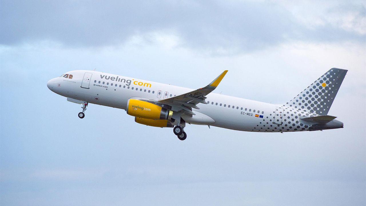 avión air nostrum.Un avión de Vueling