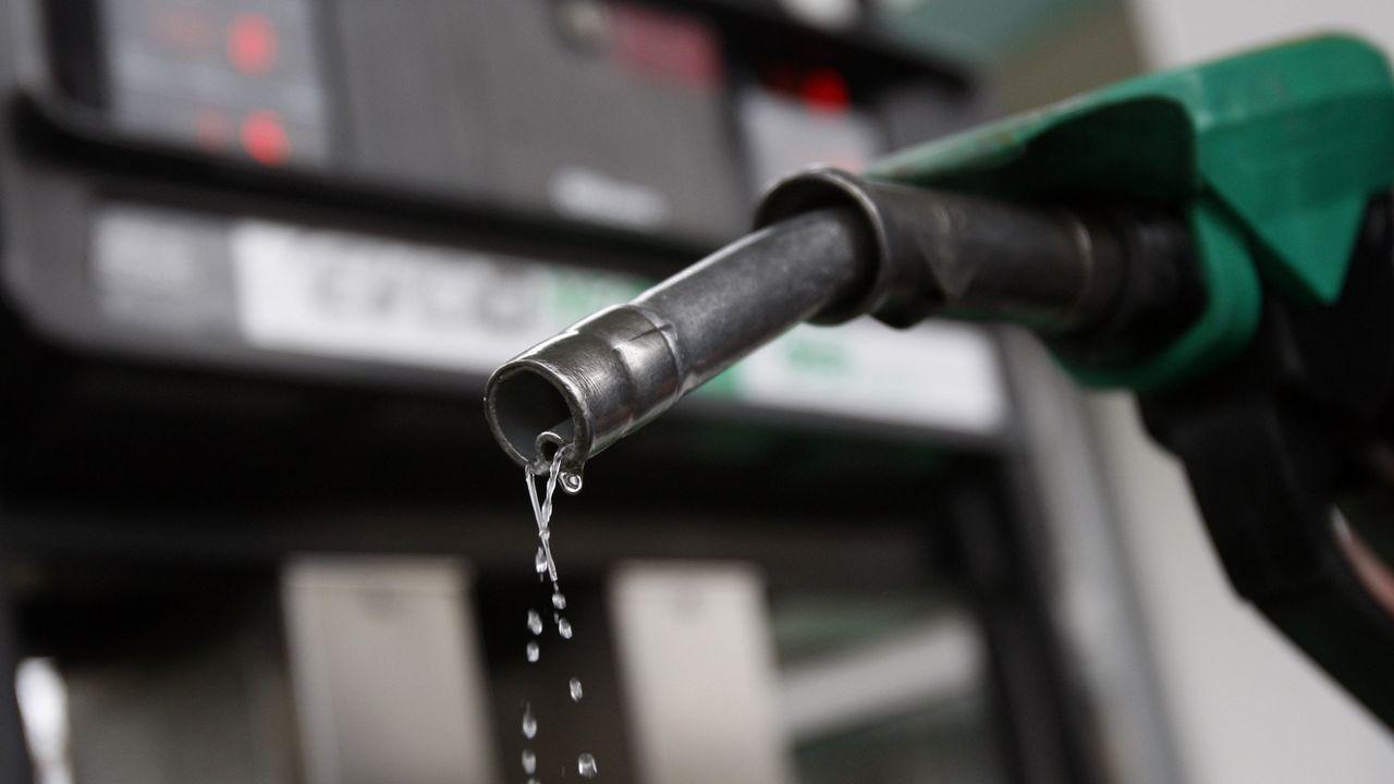 gasolinera, repostar, gasolina, estación de servicio.Nissan