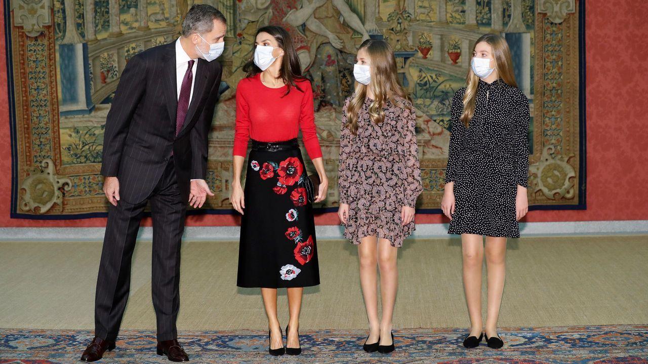 Felipe VI pronuncia su tradicional discurso de Nochebuena.El rey, la reina Letizia, la princesa Leonor y la infanta Sofía