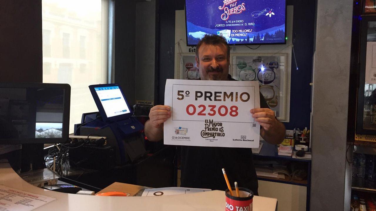 Enrique García, dueño del Nai Pai, en Mera, vendió por terminal tres décimos de un quinto