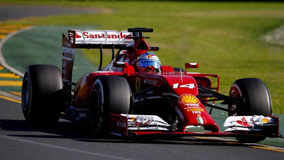 Arranca el circo de la F1.Maldonado, durante el GP de España