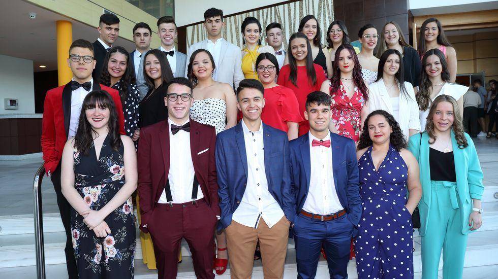 Jornada de graduaciones en el IES Terra de Soneira: ¡imágenes!