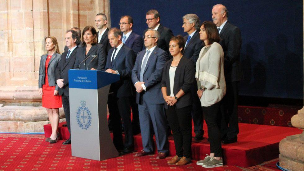 España - Italia, en imágenes.El jurado del Princesa de los Deportes, en la lectura de su fallo