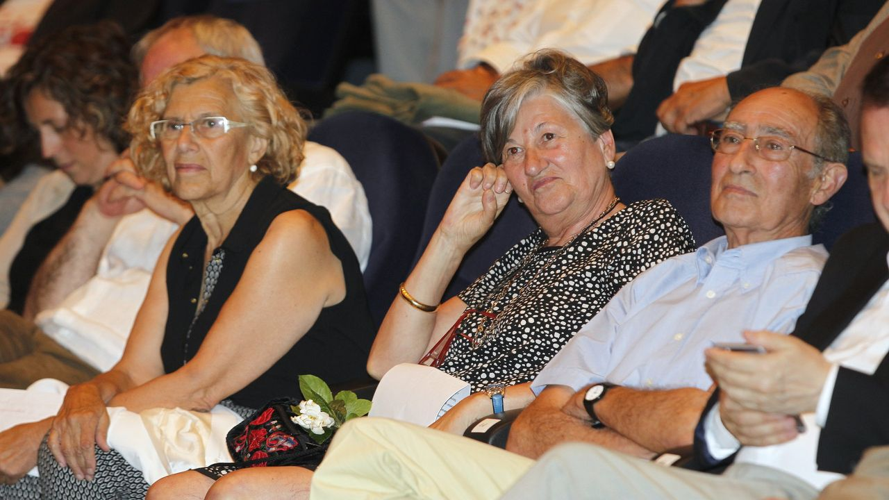El día del homenaje a Elvira Landín y Fernando Randulfe, con Manuela Carmena, que fue abogada, jueza y alcaldesa de Madrid