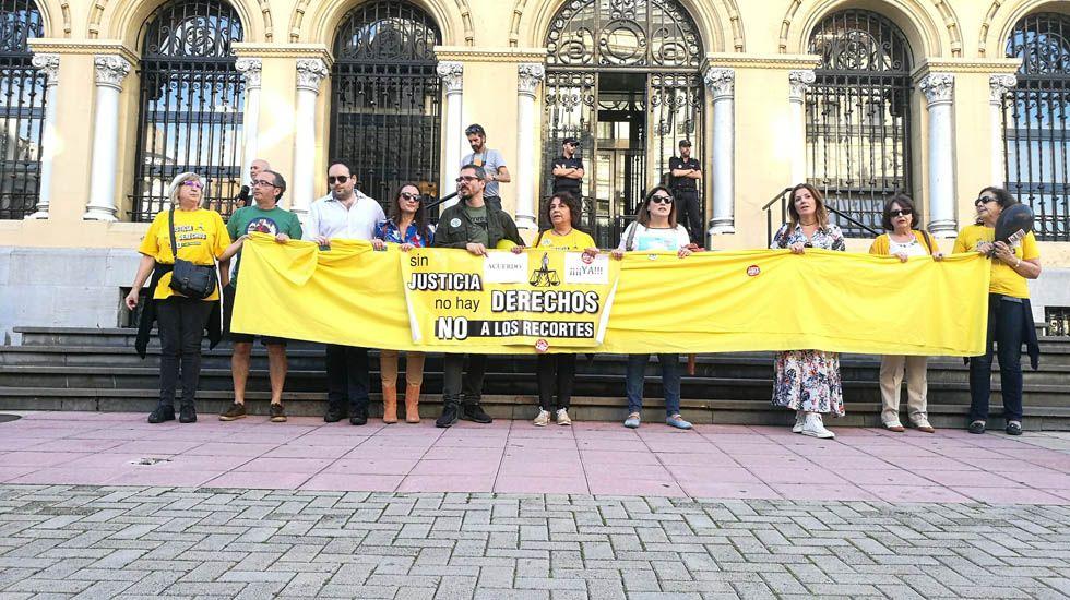 Imagen de una manifestación de los funcionarios de justicia en Oviedo