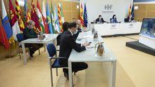 Los ministros de Agricultura, Sanidad y Política Territorial (al fondo), Fernando Simón y técnicos de Sanidad durante el último Consejo Interterritorial del Sistema Nacional de Salud
