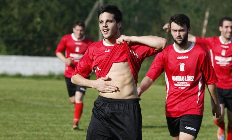Los futbolistas del Chantada B finalizan el año como líderes de la Segunda Autonómica.
