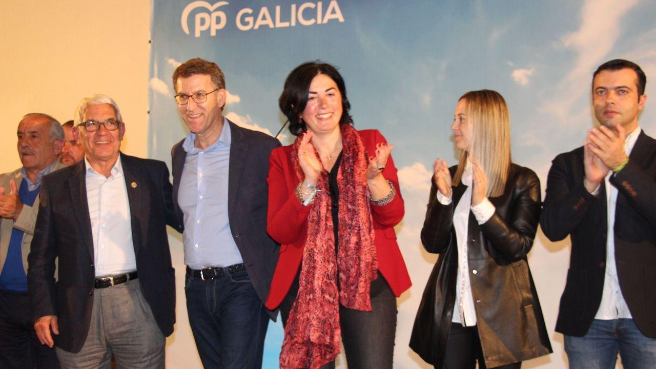 El PSOE celebra su triunfo en Vilalba.La Guardia Civil, en la casa, el día en que apareció el cadáver