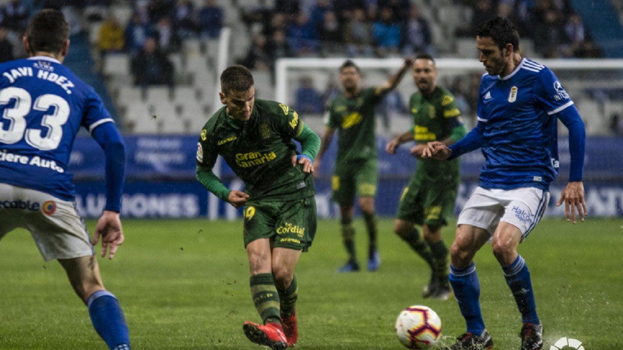 Ibra Joselu Real Oviedo Osasuna Carlos Tartiere.Folch y Javi Hernández ante Curbelo