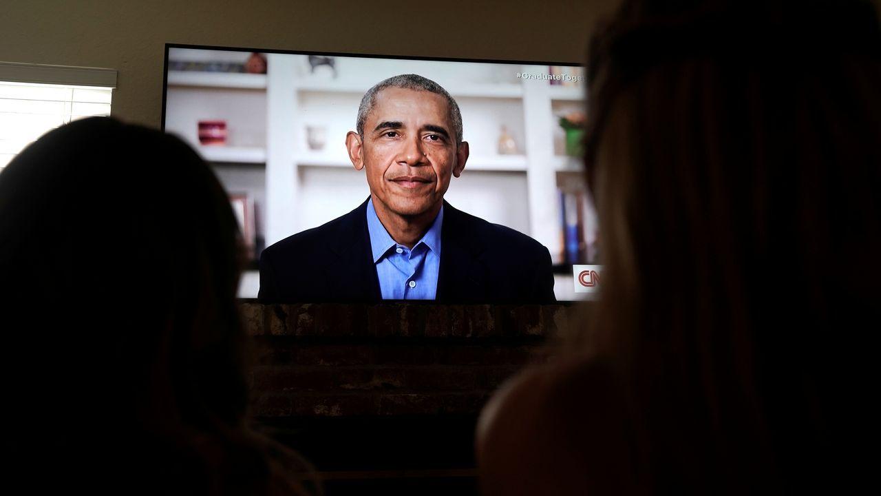 El mundovive nuevas rutinas: del ballet con mascarilla a los gimnasios con mamparas.Obama ha roto la tradición de no criticar a los demás presidentes
