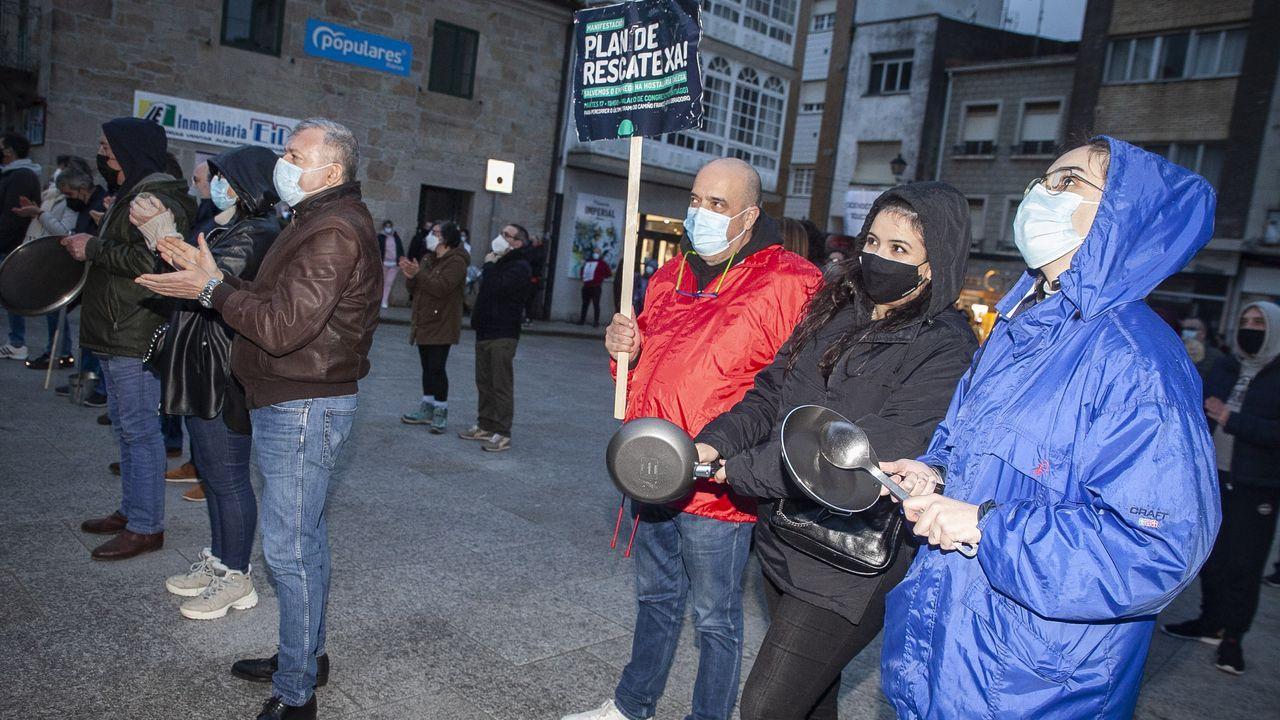 Hosteleros de Rianxo y Boiro se manifestaron en la localidad rianxeira