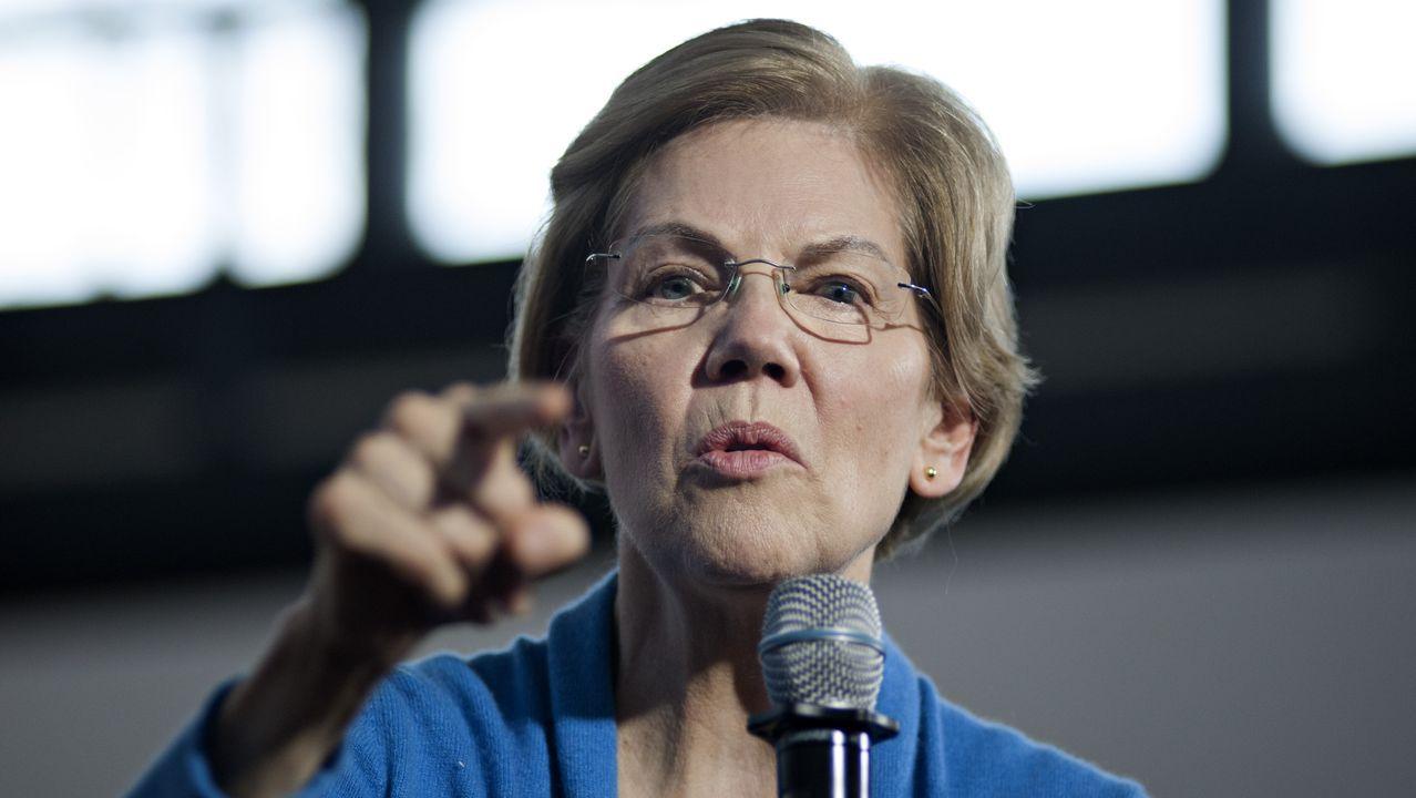 Warren, en un acto de campaña en Iowa
