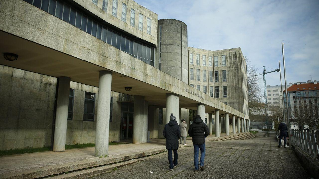 En una imagen de archivo, el edificio principal de los juzgados de Santiago, en el que tiene su sede la sección sexta de la Audiencia Provincial