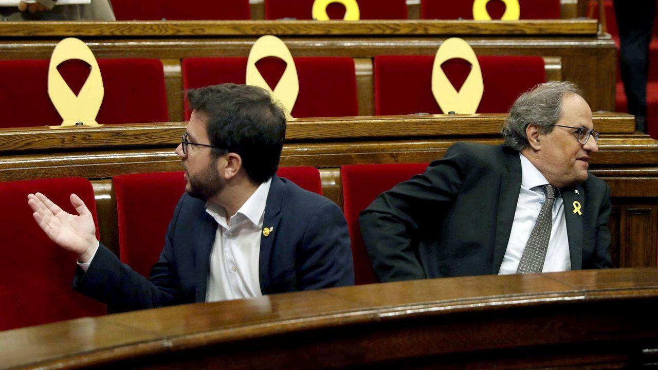 El Parlament rechaza la autodeterminación de Cataluña.Los Mossos ante el Parlamento Catalán durante la jornada del referendo ilegal del 1-O