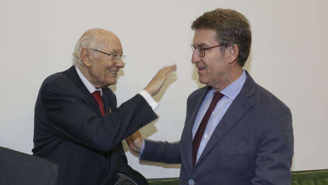Romay Beccaría, mentor político de Feijoo, coincidió con este en un acto en Santiago