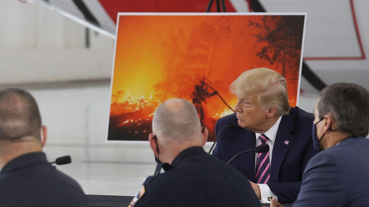 Trump se reunió con los equipos de seguridad y emergencias en  McClellan Park, una antigua base aérea a las afueras de Sacramento