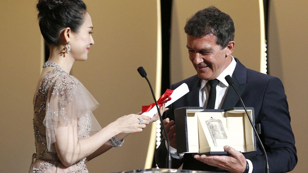 Antonio Banderas, en el momento de recibir su premio