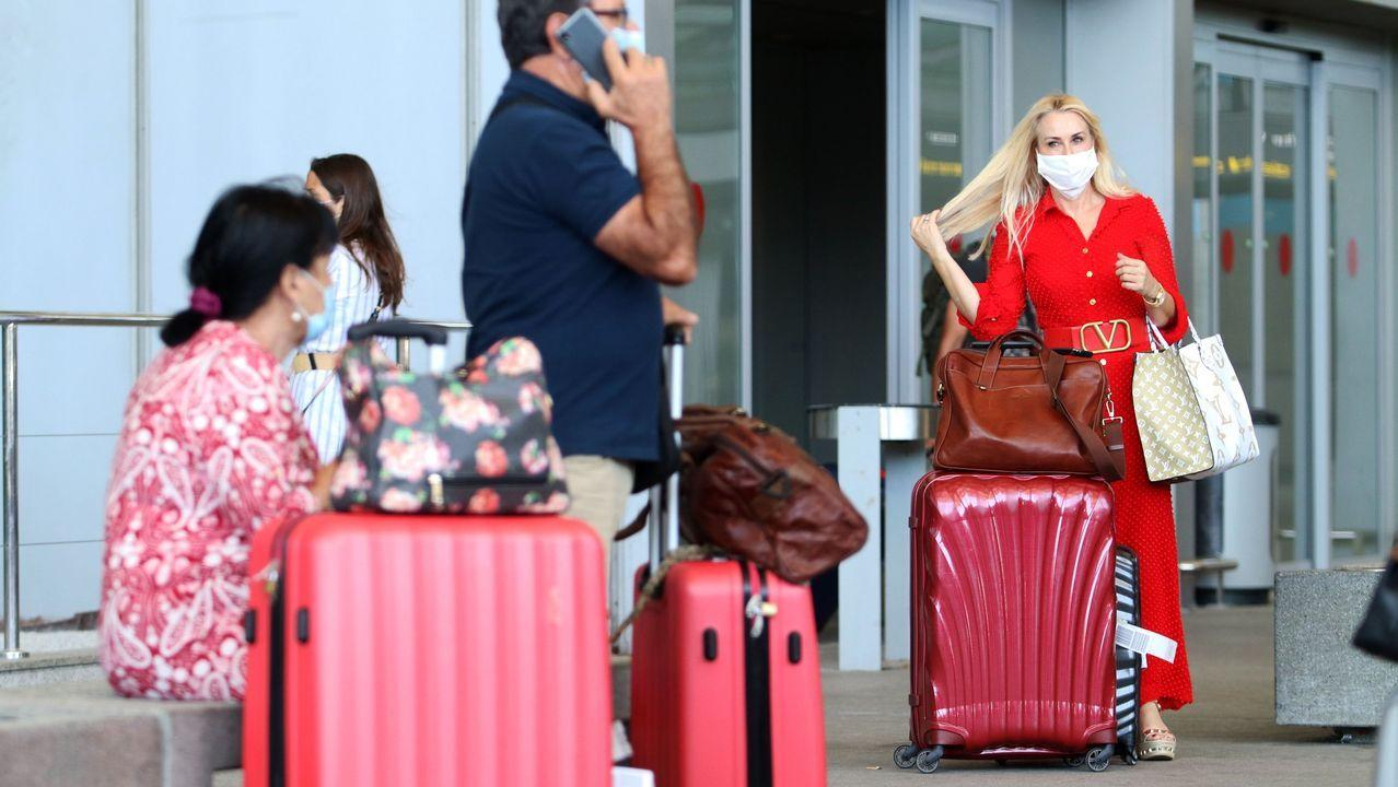Pasajeros en el aeropuerto Pablo Ruiz Picasso