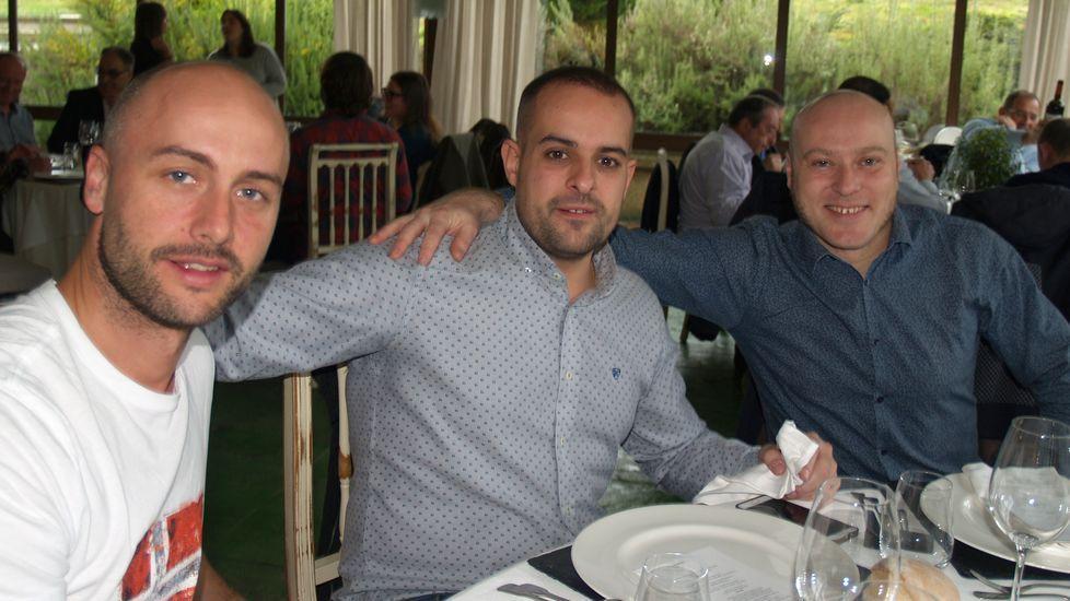 Humberto Loureiro (derecha) junto a Bruno Lovelle, miembros del panel de cata de Ribeira Sacra