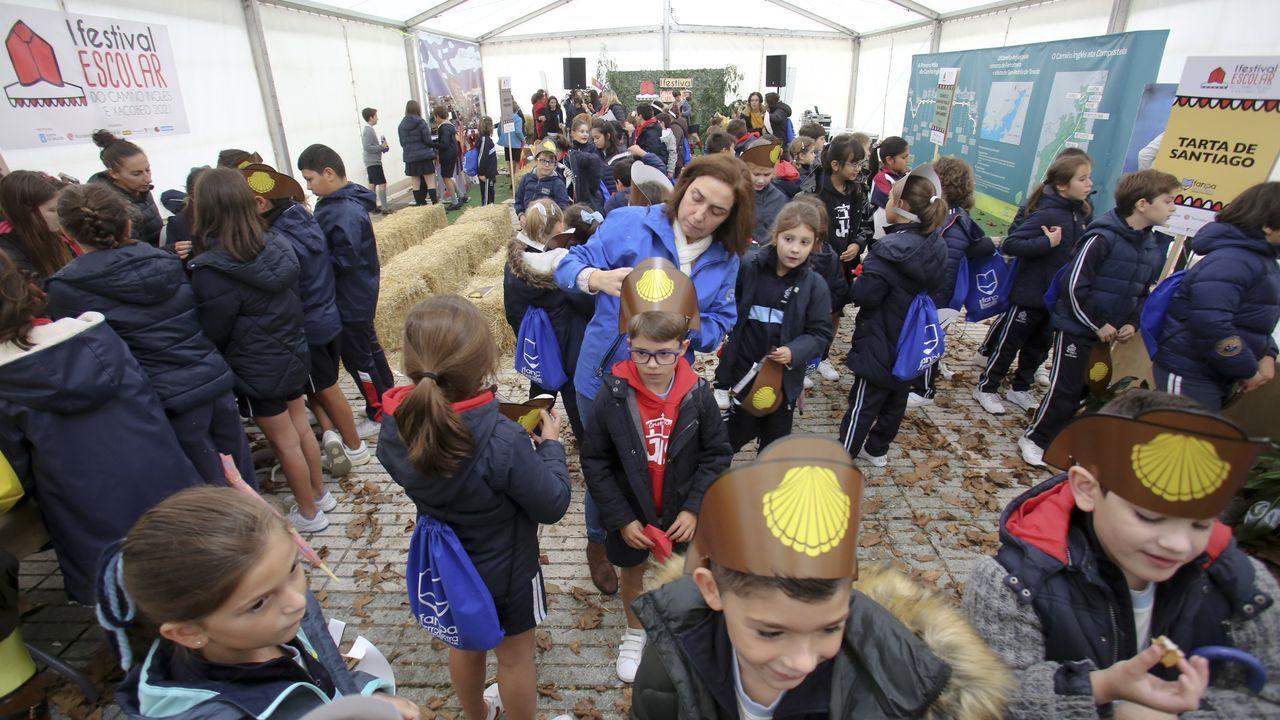Inundaciones por una tromba de agua en Ferrol.El rey Juan Carlos presidió la inauguración de la escuela el 17 de octubre de 1994