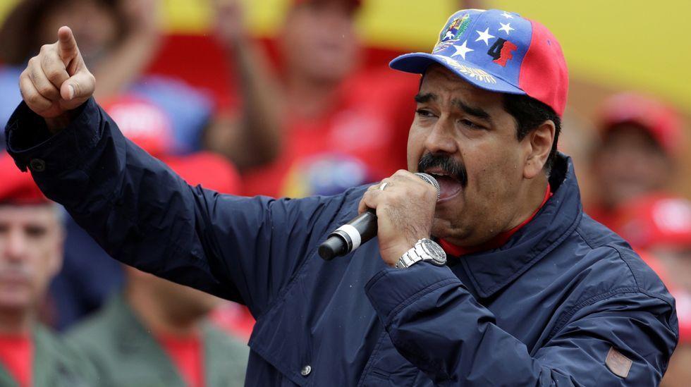 Las cargas policiales de Venezuela, en imágenes.Rivera y el líder opositor venezolano, Henrique Capriles