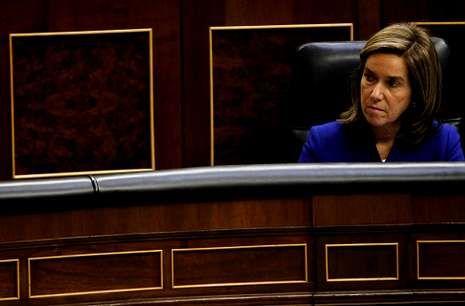 Ana Mato está cada vez más sola en el PP a causa de las implicaciones del caso Gürtel.
